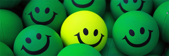 http://www.shabayek.com/blog/wp-content/uploads/2012/10/smiling-green-balls-flickr.jpg